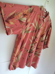 Tommy Bahama Hawaiian Shirt XL Leaf Leaves Coral Silk Button Down Short Sleeve