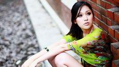 1366x768 Wallpaper brunette, girl, asian