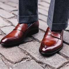 Nothing like a clean pair of loafers from @paulevansny