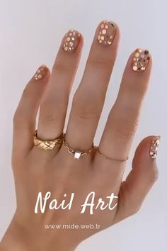 Bright Summer Acrylic Nails Discover These festive nail art ideas offer a chic alternative to Christmas jumpers by Betina Goldstein nail designs designs for short nails easy holiday nail stickers self adhesive nail stickers essie nail stickers Minimalist Nails, Minimalist Fashion, Stylish Nails, Trendy Nails, Diy Nails, Cute Nails, Glitter Toe Nails, Acrylic Nails, Cute Pedicures
