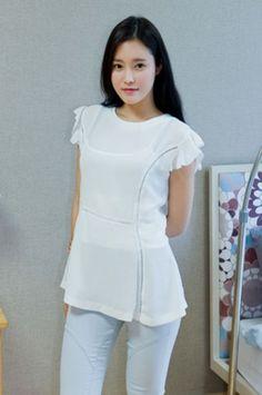 frill sleeve peplum blouse from Kakuu Basic. Saved to Kakuu Basic Blouses & Shirts. Seoul Fashion, Korean Fashion, Peplum Blouse, Online Fashion Stores, Korean Outfits, No Frills, Street Wear, Fashion Outfits, Clothes For Women