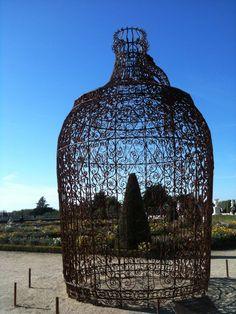 Oeuvre de Joana Vasconcelos dans les jardins de Versailles, France, en 2012