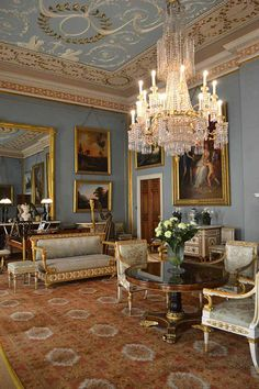 The elegant and classical Georgian drawing room at Attingham is furnished with 18th century Italian furniture, some of which belonged to Napoleon's sister.