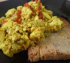 This breakfast scramble brings together the holy trinity of French cooking as onions, carrots and celery are sautéed on the stove. Tofu is seasoned with turmeric, cumin, balsamic vinegar and tamari then scrambled with the sautéed veggies. Spinach Recipes, Tofu Recipes, Whole Food Recipes, Vegetarian Recipes, Paleo Food, Recipies, Tofu Scramble, Low Carb Breakfast, Breakfast Recipes