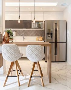 [New] The 10 Best Home Decor Ideas Today (with Pictures) - Cozinha integrada cheia de estilo. Kitchen Interior, Kitchen Decor, Kitchen Design, Kitchen Living, Beautiful Kitchens, Home And Living, Home Kitchens, Living Room Designs, Kitchen Remodel