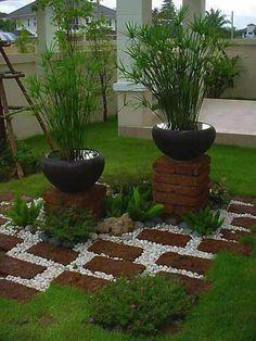 7 Attractive Tips: Big Rock Garden Ideas easy backyard garden small spaces.Front Garden Landscaping garden for beginners fruit. Small Backyard Gardens, Small Gardens, Outdoor Gardens, Small Patio, Small Rectangular Garden Ideas, Raised Gardens, Modern Gardens, Big Backyard, Water Gardens