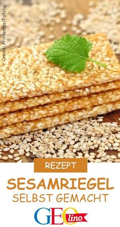 Small snack: sesame bars Kleiner Snack: Sesamriegel Healthy and delicious – homemade sesame bars! Give up the recipe GEOlino. Healthy Foods To Eat, Healthy Smoothies, Healthy Drinks, Healthy Recipes, Healthy Desserts, Raspberry Smoothie, Health Snacks, Eating Habits, Quick Easy Meals