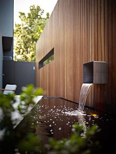 What is a Modern Garden? Modern Landscape Design, Modern Landscaping, Outdoor Landscaping, Outdoor Gardens, Small Gardens, Water Architecture, Water Walls, Water Features In The Garden, Garden Spaces