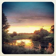 A lovely Doylestown sunset captured by @tomsofield on Instagram.