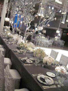 Silverish Grey Weddings w/yellow flowers? @helennishii