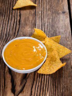 Käse-Dips schmecken immer anders. Besonders köstlich werden sie mit dieser Geheimzutat: Bier!