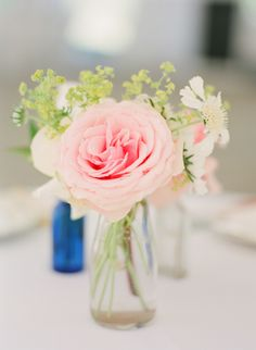 simple wedding florals http://www.weddingchicks.com/2013/11/25/national-park-wedding/
