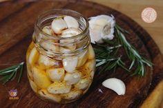 AGLIO AROMATIZZATO2 teste di aglio vino bianco rosmarino peperoncino fresco olio extravergine di oliva