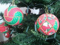 Palline di Natale in patchwork senz'ago