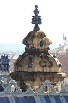 Földtani Intézet, Budapest - tervező: Lechner Ödön - Fotó: Iparművészeti Múzeum design.hu Budapest Travel Guide, Capital Of Hungary, Art Nouveau, Art Deco, Danube River, Amazing Buildings, Central Europe, Budapest Hungary, Gaudi