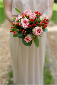Christmas styled bridesmaid bouquet | Image by L'as de Coeur Photography