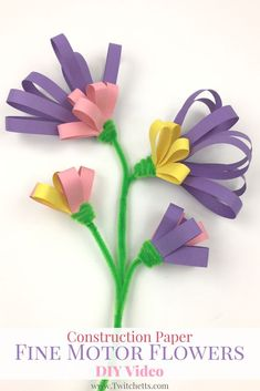 These construction paper flowers are so fun to make! They help with fine motor skills and can be done by kids of all ages! Constuction Paper Crafts for Kids.