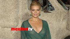 Laurie Holden | Dumb and Dumber To | Los Angeles Premiere | Arrivals