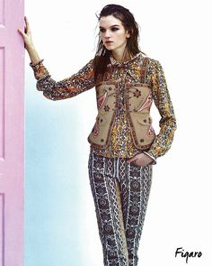 Paisley patterns for a colourful total look on Madame Figaro Japon.