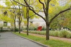 Blog about Chicago - gardens at the Art Institute are free and lovely