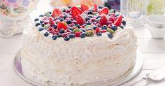 Pavlova torta s letným ovocím Buy Cake, Cake Shop, Pavlova Cake, Online Cake Delivery, Gourmet Cakes, Salty Cake, Savoury Cake, Fondant Cakes, Cakes And More