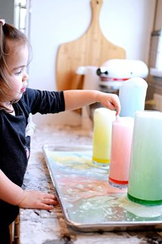 How to Make Magic Snowballs That Won't Melt Indoors 2020 | Entertain Your Toddler