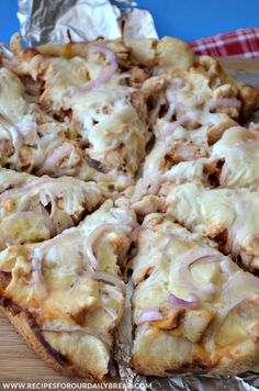 BBQ Chicken Pizza | RecipeLion.com