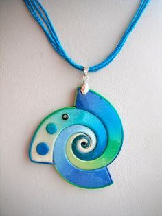 cool pendant from Ma-belette, New Polyform pearl colors Polymer Clay Kunst, Polymer Clay Necklace, Polymer Clay Pendant, Fimo Clay, Polymer Clay Projects, Polymer Clay Creations, Polymer Clay Beads, Ceramic Jewelry, Ceramic Beads