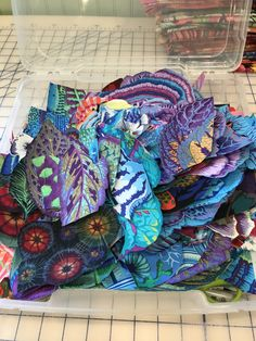 Quilting Tutorials, Quilting Designs, Art Quilting, Crazy Quilting, Batik Quilts, Applique Quilts, Bohemian Quilt, Fabric Art, Red Fabric