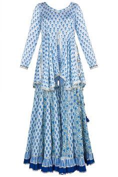 Maayera Designer , Collections at Pernia's pop up shop New Dress Design Indian, Pakistani Dress Design, Ladies Dress Design, Gharara Designs, Kurti Designs Party Wear, Indian Designer Suits, Indian Fashion Designers, Indian Dresses, Indian Outfits