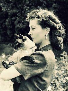 Vivien Leigh (love the hair)