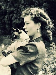 Vivien Leigh (love the hair)