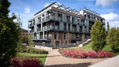Campbell Park, Eco Housing in Milton Keynes. Image Chart, Milton Keynes, Location Map, Mansions, Park, Architecture, House Styles, City, Lakes