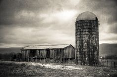 Crossville, Tennessee Barn and Silo