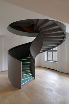 Uniquely Awesome Spiral Staircase Ideas For Your Beloved Home Dream Houses There are a variety of designs to choose from when creating a unique spiral staircase. This allows them to be unique in appearance as well as being fu. Spiral Stairs Design, Home Stairs Design, Interior Stairs, Modern House Design, Home Interior Design, Stair Design, Stairs Architecture, Interior Architecture, Escalier Design