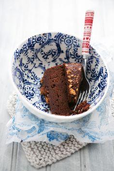 chocolate, chestnut + amaretti cake • cannelle et vanille