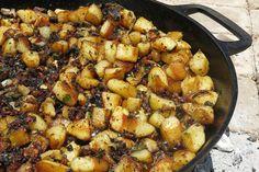 "Potatoes with togarashi and wasabi butter ""en papillote"" recipe : SBS Food Izakaya Recipe, Potato Frittata, Sbs Food, Japanese Food, Japanese Recipes, Appetizers, Potatoes, Dishes, Butter"