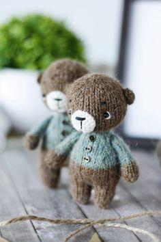 Crochet Bear, Crochet For Kids, Crochet Toys, Knitting Toys, Knitting Patterns, Crochet Patterns, Doll Toys, Dolls, Doll Stuff