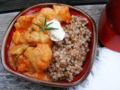 Sokszor készítek karfiolos fogásokat, mindig más fűszerrel, amitől a karfiol is mindig más :)   A gyömbér télen naponta terítékre kerü... Chana Masala, Chicken, Meat, Ethnic Recipes, Food, Essen, Meals, Yemek, Eten