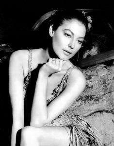 Ava Gardner, early-1950s.  crawfordgold.tumblr.com