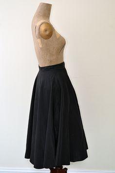 Vintage 1950s Skirt // 50s Skirt // Sock Hop Skirt  -- @Brass Giraffe Vintage  #1950s #vintage