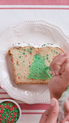 Why just look at your Christmas tree when you can EAT it instead? Decorate a different kind of tree with your fam this year with this Peek-A-Boo Tree Cake. Watch how to make a Peek-A-Boo Tree Cake. Christmas Desserts, Holiday Treats, Christmas Treats, Christmas Baking, Yummy Treats, Delicious Desserts, Sweet Treats, Yummy Food, Sweet Recipes