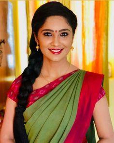Beautiful Muslim Women, Beautiful Girl Indian, Beautiful Girl Image, Most Beautiful Indian Actress, Beautiful Saree, Indian Beauty Saree, Indian Sarees, India Beauty, Asian Beauty