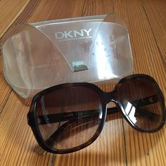 DKNY Sunglasses DKNY Sunglasses includes len case. Used. Good condition. Left side len has a little scrash and the left leg has a scrsh to. Other than that they are fine! ❌NO TRADES❌ DKNY Accessories Sunglasses