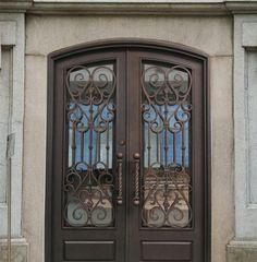 porte en fer forgé, bâtiment ancien, volutes de fer forgé Doors, Iron, Deep Forest, House, Iron Doors, Deco