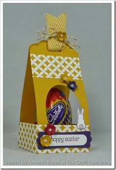2014_03_Easter Bunny meets giant Creme Egg Scalloped Tag Topper Punch Treat Holder 034