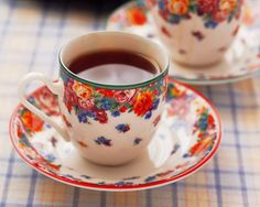 black tea in florals..heyitisrissa