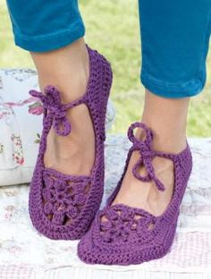 Shoes crochet -- I saw this style crocheted on to leather shoes that had worn tops cut away -- reusing the soles.