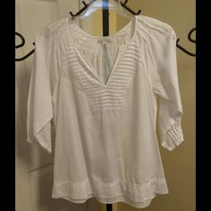 Banana Republic top Pre owned and in great condition Banana Republic Tops