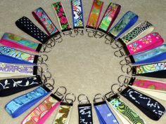 Great idea to make for fund raising! :) key fobs tutorial